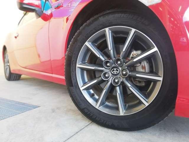 純正16インチアルミを装着★新品タイヤ、社外アルミホイール、スタッドレスタイヤ等のご注文も承ります