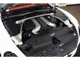 6リッター W12ツインターボエンジン
