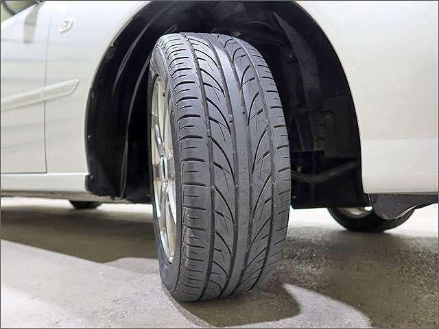 タイヤの状態はこんな感じです。。