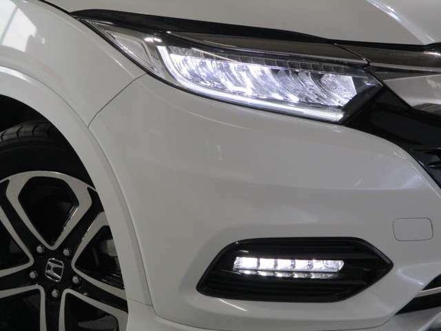 LEDヘッドライト(Hi/LoともにLED) LEDフォグランプ オートライトコントロールつき