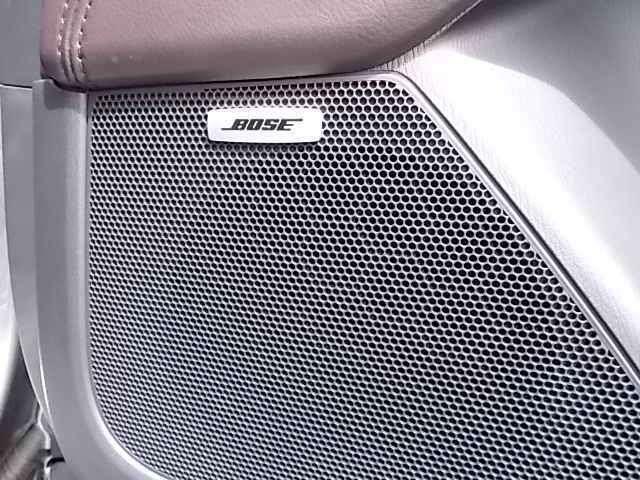 ドライブ中の音楽を高音質で聞けるBOSEサウンド