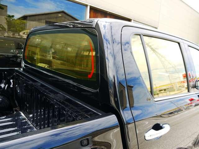 弊社デモカー使用車 ワンオーナー 禁煙車 即納可能 イージーアップリフトアップ 20インチアルミ・285/50R20マッドタイヤ リヤガラスフィルム 社外フルセグナビ・バックカメラ・ETC