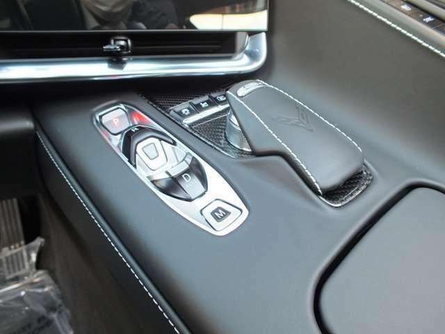 横滑り防止や、オプションのフロントリフトなども装備されております。