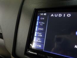 ■ 装備4 ■ フルセグ地上デジタルTV DVDビデオ、CD再生 Bluetooth音楽プレイヤー接続、ハンズフリーフォン AUX、USB