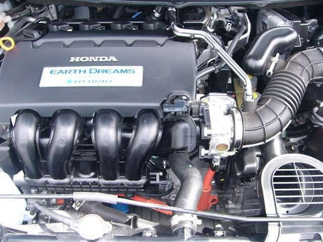 ハイブリッドエンジンで燃費・走りも大満足です