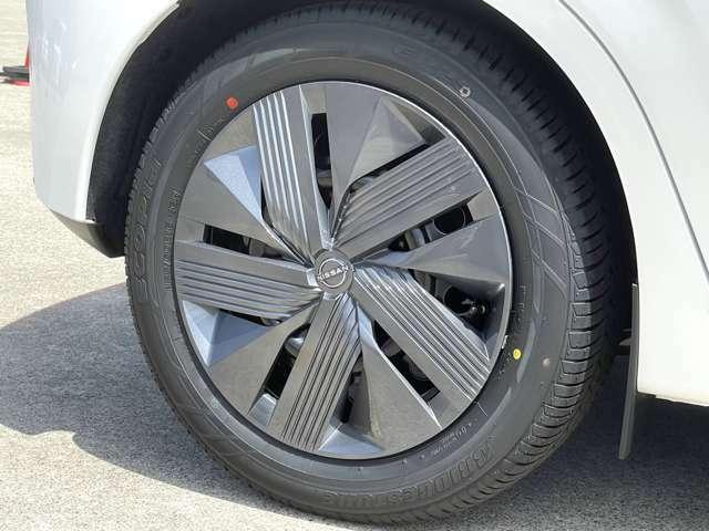 オプションにてお客様のご希望のタイヤホイールへも変更可能です!車高調やローダウンもOK!