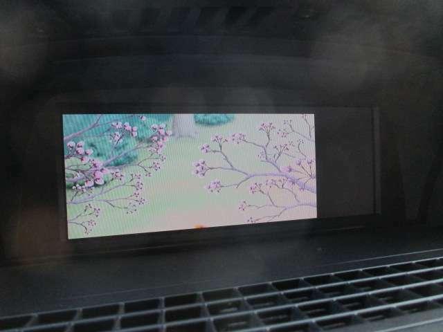 Bプラン画像:フルセグTV+DVDの視聴も可能です♪ロングドライブの時でも快適にドライブをお楽しみ頂けます♪お車ですが居住性もございます♪