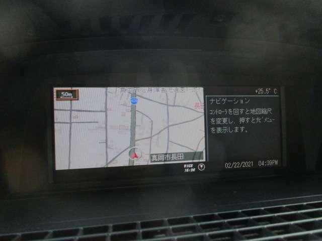 純正HDDナビが装備されております♪画面もクリアで見やすく運転中も確認しやすいです♪フルセグTV+DVDの視聴もお楽しみ頂けます♪ロングドライブの時でも快適にドライブをお楽しみ頂けます♪