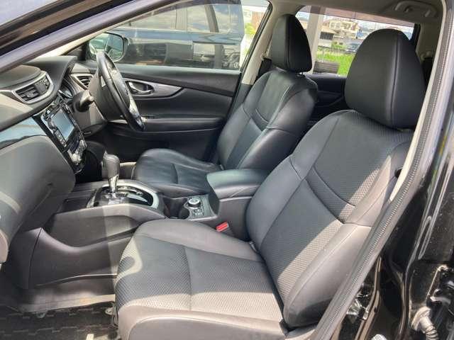 運転席側シート 使用感少なく綺麗です 防水防汚シートとなっております!