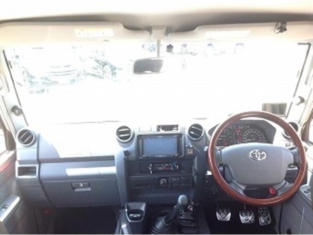 5速MT ウインチ ヒッチメンバー カーボンネット 黒革調シートカバー オーバーフェンダー シャッター式トノカバー  ディスプレイオーディオ キーレス