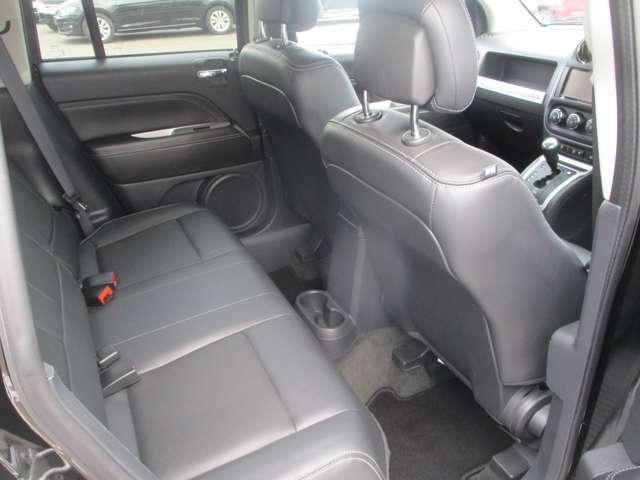 程よいホールド感にクッション性の高い座り心地の良いシートです。ぜひ良さを体感しにご来店くださいませ。