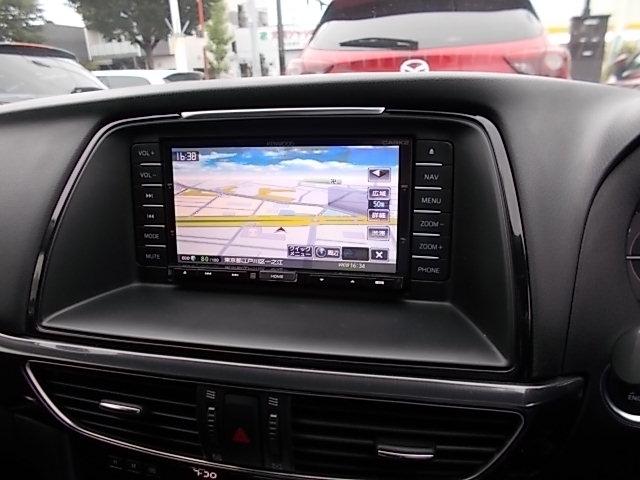 便利なメモリーナビゲーションを装備♪初めての道や、知らない道でも安心してドライブを楽しめます!CD再生はもちろん、TV(フルセグ)視聴も可能です。