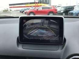 バックカメラで車庫入れをサポートします♪