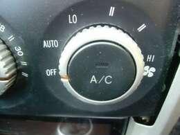 オートエアコン付きで車内は、年中快適に過ごせます!!