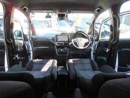 専用ブラックインテリアで、ワンランク上の車内空間を演出してくれます♪ 専用シート付きで快適なドライブができます♪
