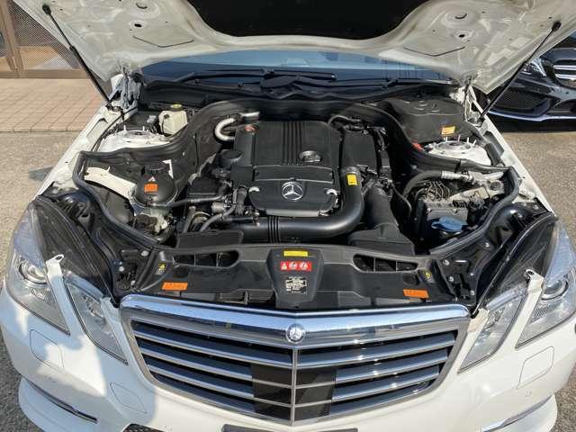 1800cc直列4気筒ターボエンジン。エンジン自体が比較的軽量なので、燃費を抑えやすいメリットがあります!