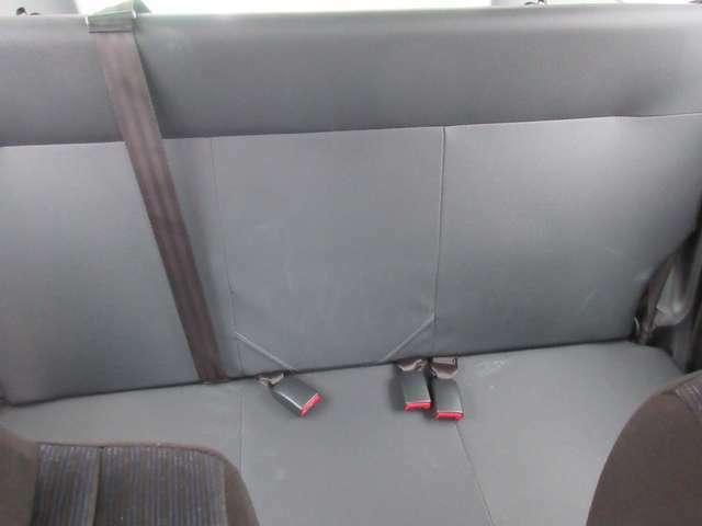 リヤーシートきれいです。
