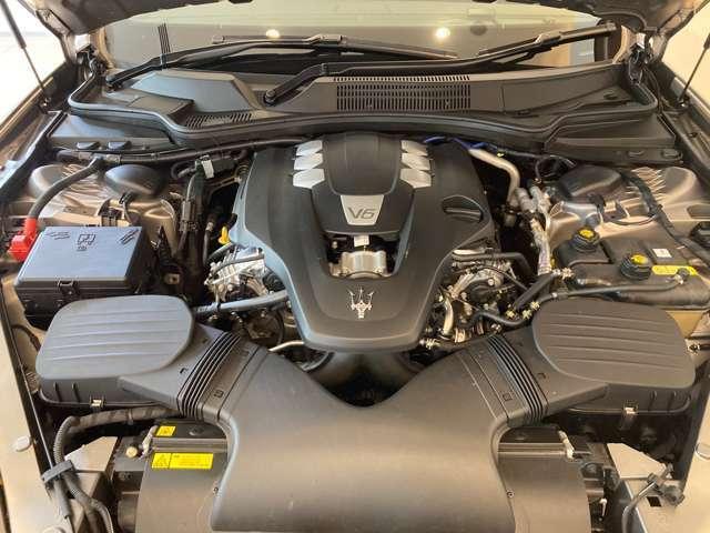 V6-3000ccのツインターボエンジン エキゾースト音を聞いただけでマセラティとわかる官能的なサウンドを演出