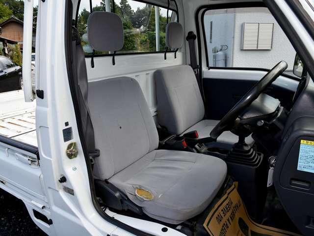 NEXTAの展示車両は、気持ち良く快適に乗って頂くために、すべてのお車にリンサー機を使用したルームクリーニングを施工致します。