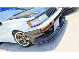 ヘッドライト・テールライト・コーナーウインカー(純正後期)フロントバンパーウインカ(社外品)☆ GT用グリル(純正) ウレタンつや消しブラックで再塗装 ウインドモール類再塗装 ガラスは純正ブルー