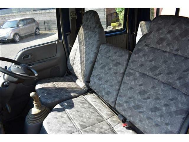 ■助手席も意外に広く、ゆったり乗れますよ■