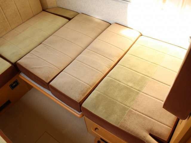 ベットサイズ 183×132 大人が2人就寝することも可能になります。