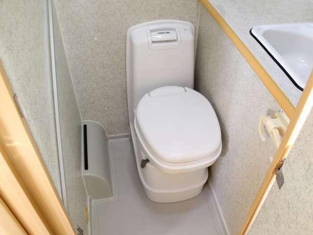 カセットトイレも装備されています。