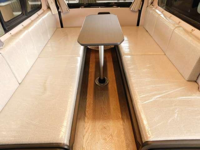 横座りシート 2点式シートベルト