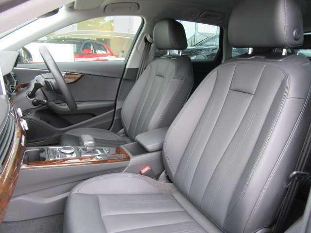 アウトバーンの国で鍛えられた上質なシート。疲れにくいシート構造が、ロングドライブの負担を軽減してくれます。