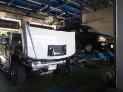 運輸局認証工場でのプロスタッフによる点検整備