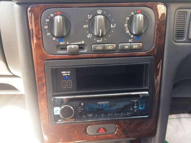 社外オーディオにUSBも完備されスマホの充電も走行中にOKです。