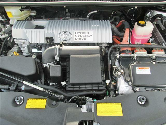 ◎1.8Lハイブリッドエンジンで低燃費ですね!!