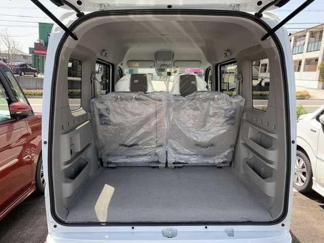 荷物もたっぷり載せられて、シートもしっかりしているので、仕事用でもプライベートでも使えます♪