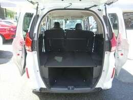 フリード+は5人乗りで、荷室が広いタイプになります。