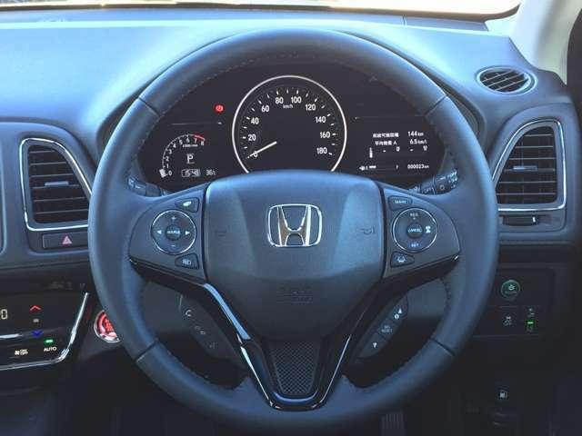 運転している間、長く触れているものだから手になじむハンドルがいいですよね。握るとほしくなっちゃいます。