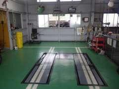 運輸局指定工場!最新設備と優秀な整備士で安心をお届けします!