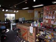 カフェスタイルの店内で雑貨の販売もしてます♪