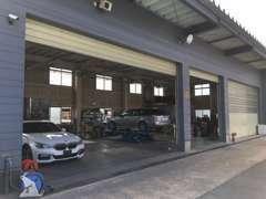 整備工場完備で納車後のメンテナンスも安心です。