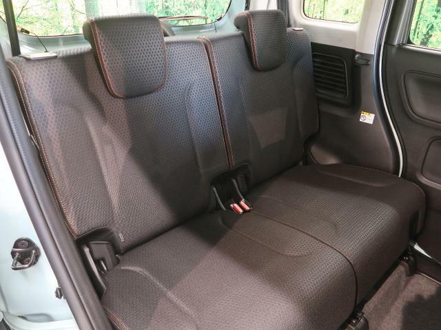 セカンドシートは使用感も少なくキレイな状態です!大人でも快適に乗って頂けます♪
