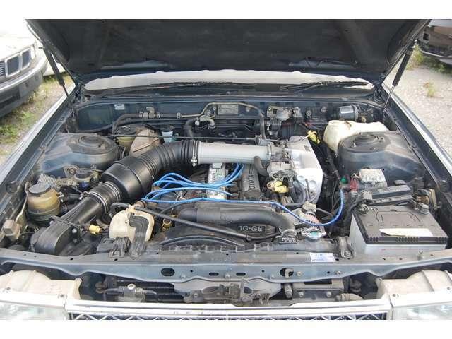 11万キロ程度のツインカムエンジンに載せ替えました^^ この車製作のため1台ドナーを丸々使いました・・・