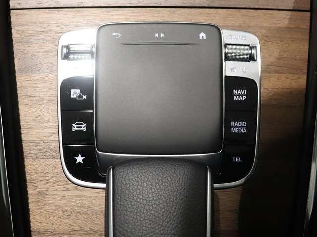 【ドライバーが求める様々なセッティングが選べるダイナミックセレクト】燃費優先のモードからスポーティーなドライビングが愉しめるモードまで4つのモードから選べるダイナミックセレクト。