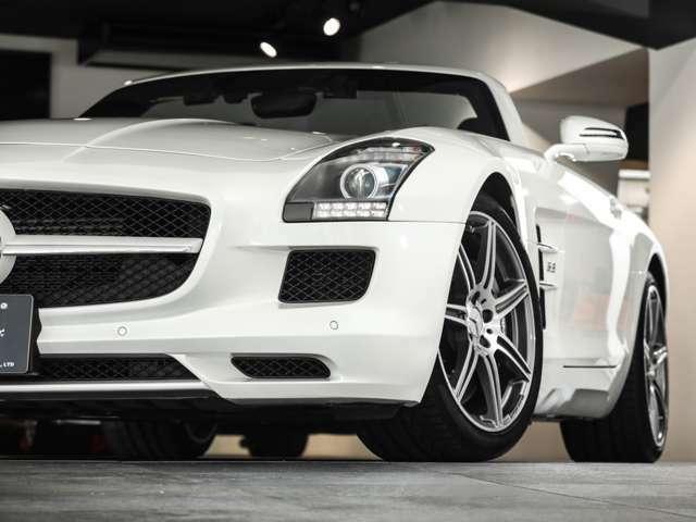 <メーカーオプション>■ボディカラー「designoミスティックホワイトII」…¥500,000(概算)