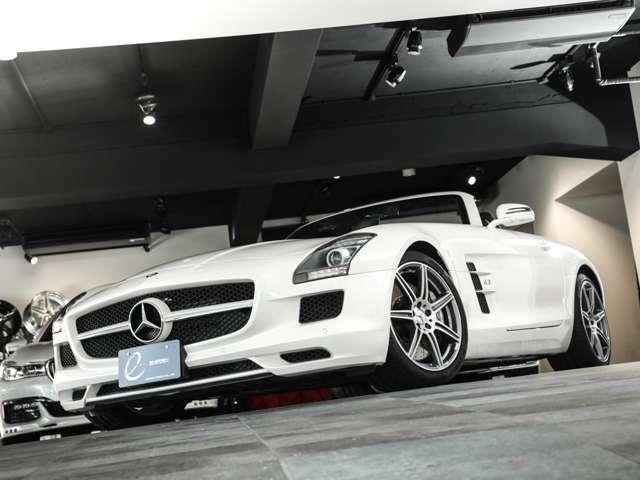・AMGスポーツエグゾーストシステム ・自動防眩ルームミラー ・キーレスゴー ・イモビライザー ・盗難防止警報システム