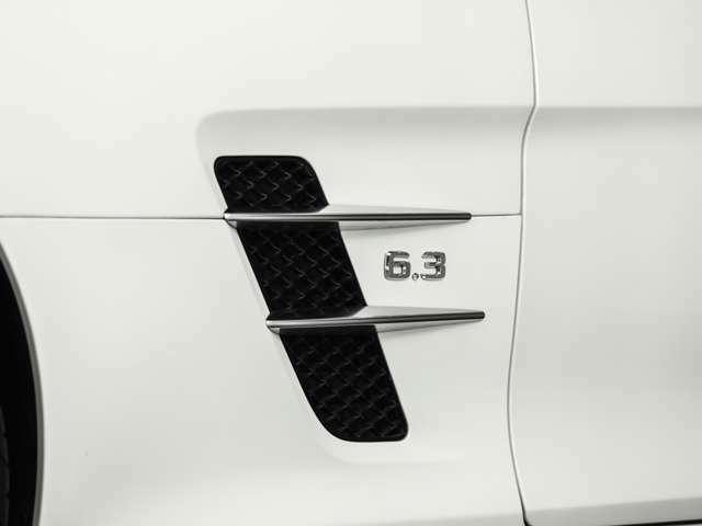 そして、何よりも同車両最大の魅力は、H25年からR3年までの正規ディーラー点検記録簿がしっかり残されており、前オーナー様が大事に扱われていた事がハッキリと分かります。