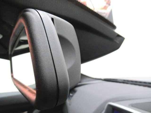 ルームミラー内蔵ETC車載器(自動防眩機能付)後続からの光が一定以上になると自動で眩しさを緩和します。
