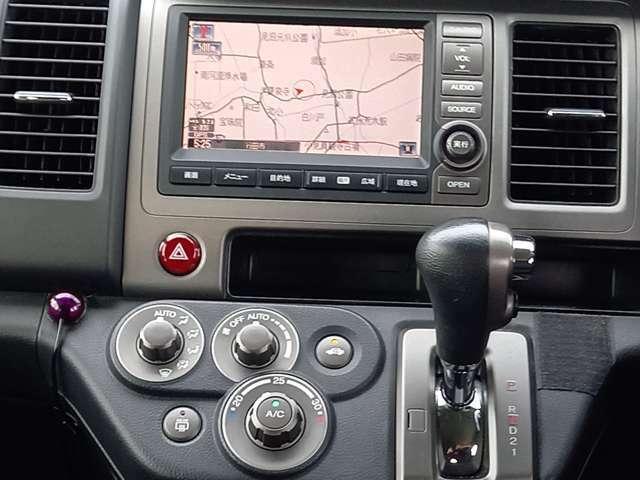 オートマ車、フルオートエアコン、純正HDDナビ搭載です。