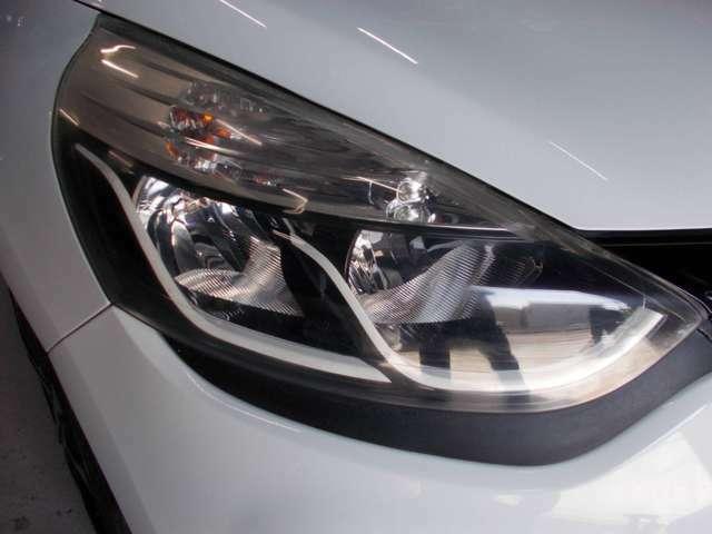キセノンヘッドライト オートライト レンズもとてもきれいです!