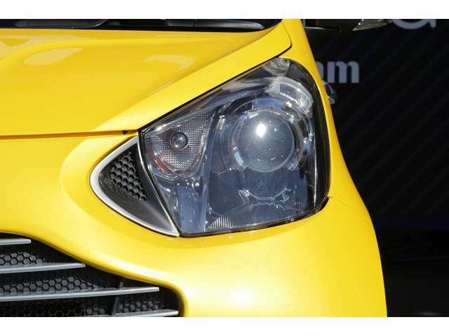 ヘッドライトは、HIDとなっており、暗い夜道でも明るく照らしてくれます!