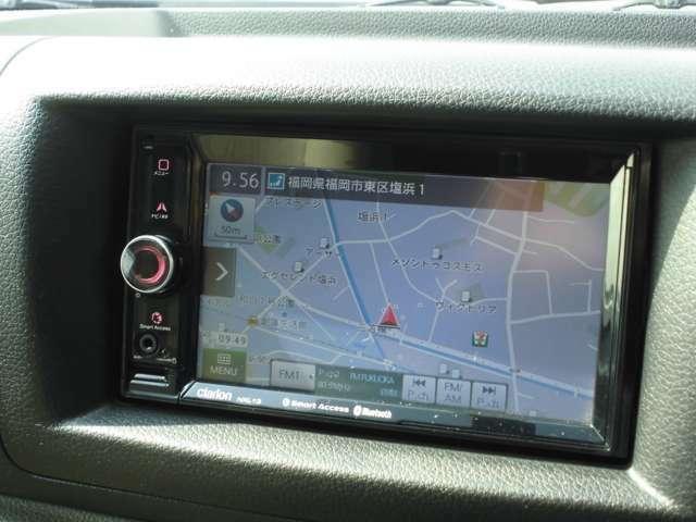Clarion製SDナビ(NXL13)を搭載しています。スマートフォン連携、Bluetooth接続、USBメモリーに対応しています。