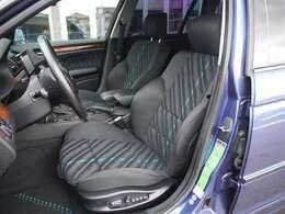 アルピナデザインスポーツシートは程よく体をサポートします。
